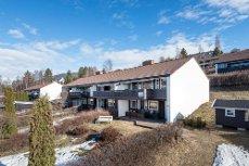Lillehammer - Rekkehusleilighet med 3 soverom, gode solforhold og flott utsikt.
