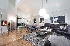 """""""Ny"""", unik og praktfull 5-roms leilighet med designkvalitet. 5,5 m takhøyde. Sydvestvendt balkong. 2 garasjeplasser"""