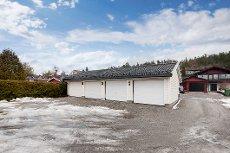 Ytre Enebakk - Koselig rekkehus fra 2007 med garasje og solrik terrasse - Familievennlig beliggenhet