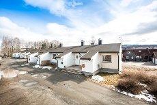 Hokksund - Pen selveierleilighet med koselig terrasse og gode solforhold.