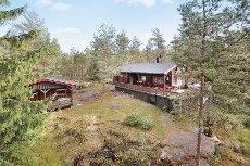 LØKEN/ AUREKYTETJENN: Flott og meget velholdt hytte med aneks - Badevann i umiddelbar nærhet