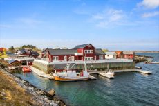 Seløy Leilighet med andel av kai, båtplass og parkeringsplass - beliggenhet i verdens vakreste skjærgård!