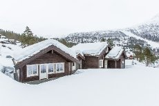 Ta kontakt for visning! Tiltalande innhaldsrik hytte i Hydla Hyttefelt ved Stryn Skisenter- like ved langrennsløypa!