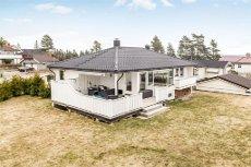 Ullensaker / Kløfta / Borgen - Innholdsrik enebolig med flott beliggenhet i barnevennlig område - garasje