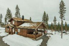 FURUTANGEN: Hyttedrømmen kan bli virkelig gjennom denne flotte hytta med gjennomgående god standard!