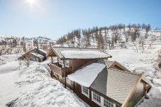Lekker hytte på Kvamskogen med flott beliggenhet - Helt ny i 2014 - 5 soverom!
