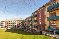 Flott beliggenhet på Laksevåg : To - roms leilighet med solrik altan. Disponibelt rom på loftet.