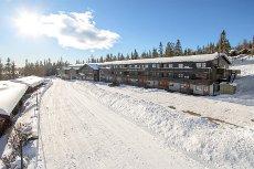 NOREFJELL MOUNTAIN LODGE- Kontakt megler for privatvisning! - 4-roms eierleilighet m/ balkong, flott utsikt og ski inn/ski ut.