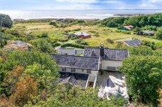 NEVLUNGHAVN - Særdeles flott hytte med panoramautsikt til sjøen, meget solrikt, fantastiske friarealer i umiddelbar nærhet og kort vei til Nevlunghavn og Helgeroa.