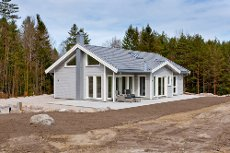 Nyoppført hytte med høy standard nær sjøen. Karlsøya- Ullerøy