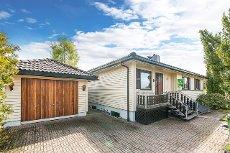 Kjeller - Enebolig i blindvei med stor solrik terrasse, garasje og god planløsning
