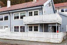 Stor leilighet med 4 soverom, 2 stuer og god standard Os