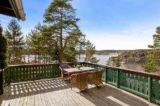 Hytte med fin beliggenhet i Røsneskilen - 30 meter fra stranden - båtplass