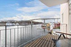 KIRKELANDET - Flott 3-roms selveierleilighet med heis, parkeringsgarasje og terrasse mot ytre havnebasseng VISNING: ONS 27. MAI KL 16.00 - 17.00 Se video!