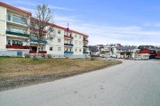 Se boligvisning på eiendommens hjemmeside. 2-roms toppleilighet på toppen av Tromsøya med kort veg til Charlottenlund.