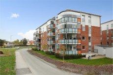 Vestby sentrum/Nordbyhagen - attraktiv 3-roms, 2. etg, 50 år+ Sydvestvendt balkong.Garasje. Heis.