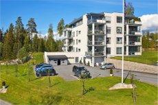 Sole/Vestby - 3-roms leil med sydvestvendt terrasse, heis, og garasje. Særdeles god og sentrumsnær beliggenhet.