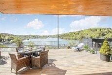 Vinterbro/Nesset Terrasse |Lekker selveier med herlig sjøutsikt | Balkong 47 kvm |Garasje | Heis | Badestrender | Marina