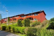 Flott enderekkehus med garasje i meget barnevennlig område i Åsane.