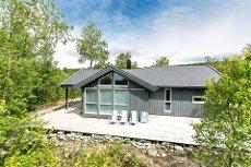 Moderne og trivelig hytte med meget god standard og beliggenhet! Rett til naustplass.
