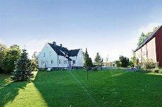 Råstad / Unneberg - Stor vakker eiendom i naturskjønne omgivelser. Ypperlig for hestehold!