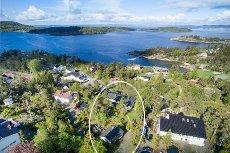 Øståsen/Son: Stor enebolig med fantastisk sjøutsikt- Båtplass- Dobbel garasje med verksted/hobbyrom- Solrik tomt