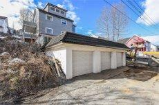Lys og trivelig toppleilighet over tre plan med veranda, garasje og utleie! Nært UNN/UiT og sentrum!