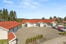 Rånåsfoss - Lekkert ende-rekkehus med solrik beliggenhet - Alt på et plan - Garasje -