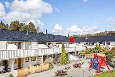 Åsane - Innbydende og moderne rekkehus med 4 soverom i meget barne- og familievennlig område.