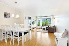 Lys og trivelig to-roms leilighet i veletablert borettslag