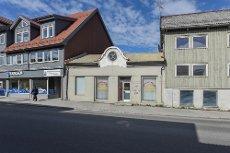 VISNING TIRS 2/6 KL 1645-1715! SENTRUM - Sjarmerende bygård med 2 parkeringsplasser!