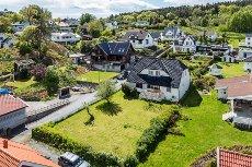 Tenvik - Flott eiendom med sjøutsikt og gode solforhold
