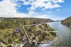 DRØBAK - HOLMEN - Sommerparadiset: Hytte kun ca. 40 meter fra sjøen! Idylisk hytte med 77 m.strandlinje   5,7 mål tomt   Må sees