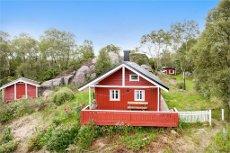Sveio- Kalland- Nydelig fritidseiendom totalt usjenert i naturskjønne omgivelser! Hytte og anneks
