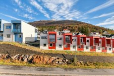 Moderne rekkehus i Skistua med 2 soverom og parkering Flott utsikt og fine turområder i umiddelbar nærhet