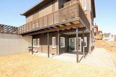 Lillesand - Lekker leilighet med god standard. Stor uteplass med terrasse og plen.