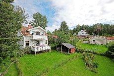 Tønsberg/Husøy - Meget sjarmerende og romslig eiendom m/god hage - Oppussingsbehov