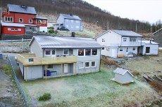 Tromsdalen - Betydelig oppgradert enebolig m/ god standard og romslig sokkelleilighet!