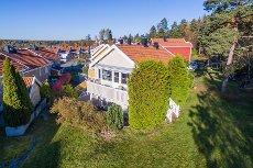 Ullerudåsen Drøbak - Rekkehus innerst i blindvei, 4 soverom. 200 meter fra 10-årig skole og barnehage.