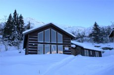 Skarsnuten - Stor hytte med alt på ett plan ved skianlegget. Nydelig utsikt og ski inn ut, nærhet til Skarsnuten Hotel.