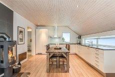 BORGTUN - Nydelig 3-romsleilighet med fantastisk utsikt, stor balkong og garasje