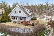 Son/StoreBrevik - Hyggelig enebolig over 2 plan med stor og solrik hage | 3 sov. og garasje