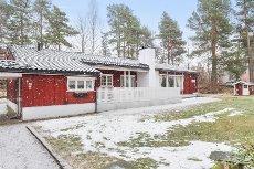 St.Hansåsen- Porsgrunn - Velholdt, oppgradert og særpreget bolig. Garasje.