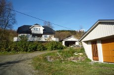 Forsland -Innholdsrik enebolig med stor tomt og to garasjer