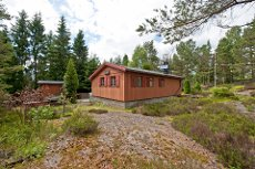 Svinndal - Trivelig hytte med stor terrasse og uthus på populære Tveitåsen