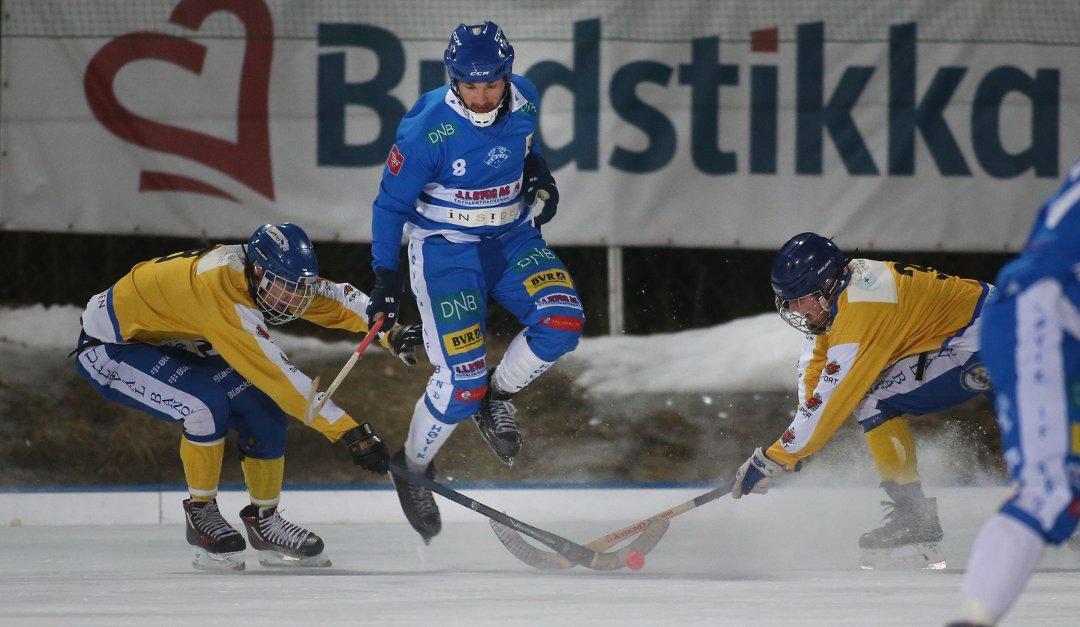 Serov scoret fem i Høviks målfest - Asker og Bærums Budstikke