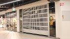 STENGT: Klesbutikken b.young på Buskerud Storsenter har stengt dørene. Sju ansatte mister jobben.