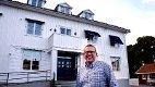 REDAKSJONSLOKALE: Dag Øyvind Juliussen, direktør ICEJ Norge, foran lokalene Israels venner har kjøpt i Åsgårdstrand. De disponerer første etasje.