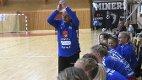 CUPBOMBE: Skrim-trener Petter Kjærnes og hans lag sørget for cupbomben i håndball-NM.foto: Ole john Hostvedt