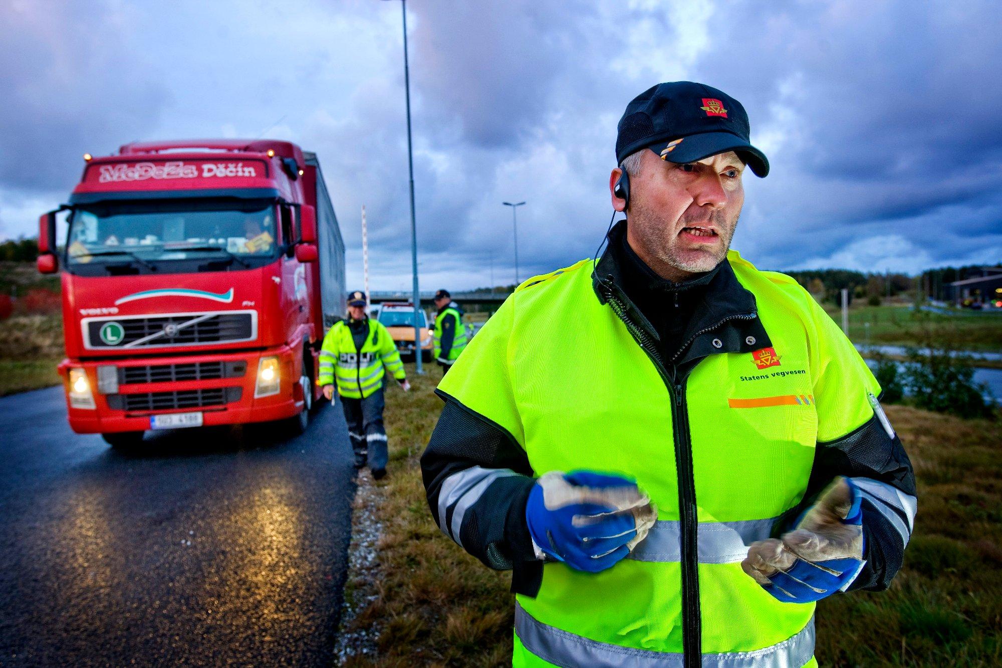 (+) Stanset i kontroll med dårlig sikt – livsfarlig for trafikksikkerheten: – Nulltoleranse